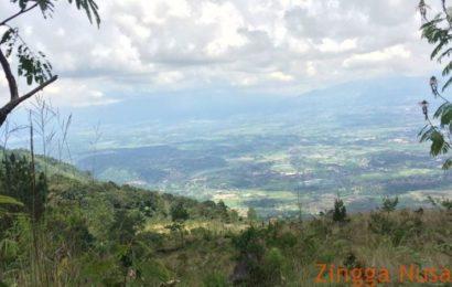 Pesona Eksotika Gunung Guntur di Garut