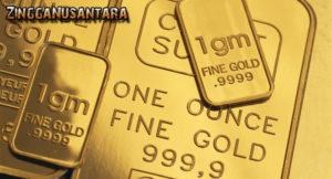 Investasi emas memiliki reesiko yang rendah karena kita bisa menyimpan emas itu sendiri, ataupun dititipkan ke penyedia jasa investasi emas seperti pegadaian.