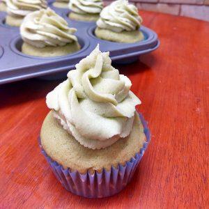 vegan matcha cupcakes with matcha buttercream