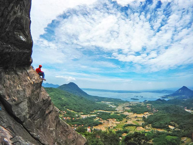 Indahnya Pemandangan Gunung Parah Purwakarta
