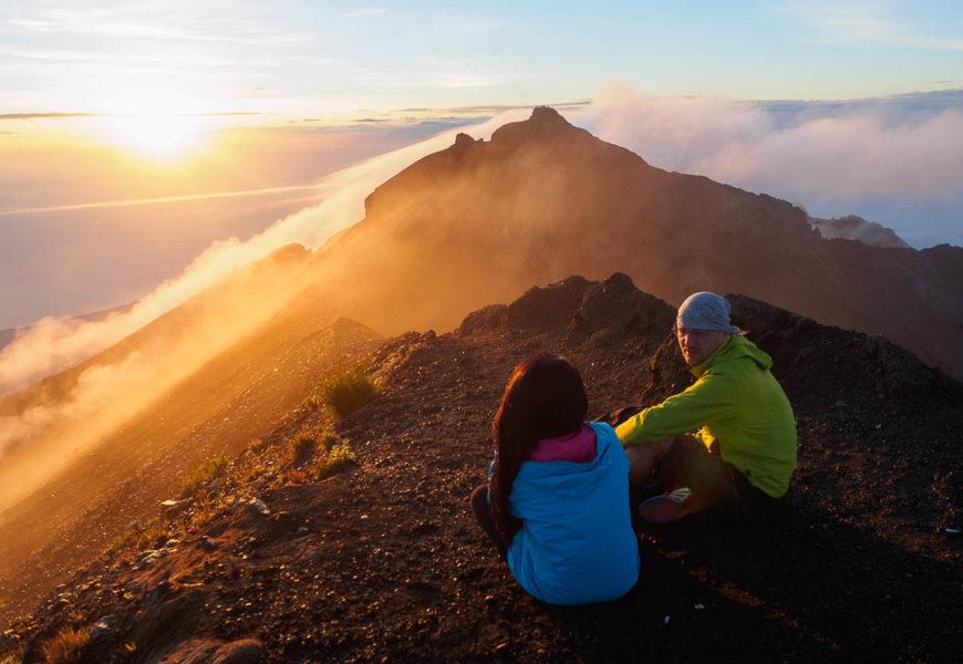Tips Aman Mendaki Gunung Bagi Pemula