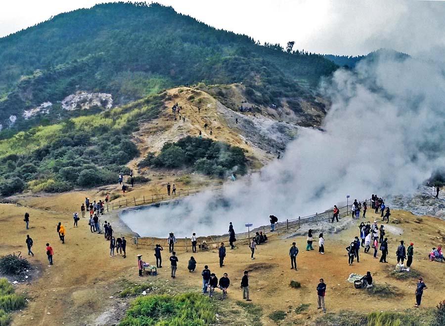Profil Tempat Wisata Kawah Sikidang Dieng Jawa Tengah