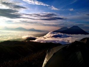 Tempat wisata Puncak Gunung Prau di Dieng Wonosobo Jawa Tengah