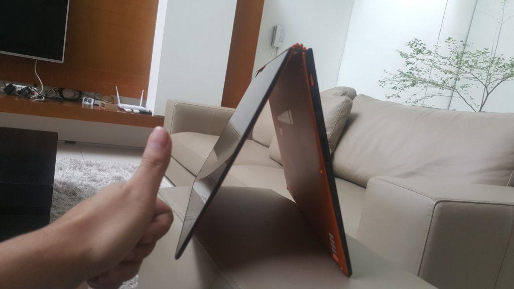 Laptop Rusak by Raditya Dika