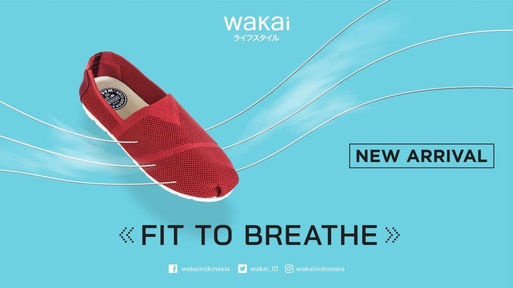 Wakai Knit hadir dalam enam pilihan warna, beberapa di antaranya adalah warna Red dan Navy.