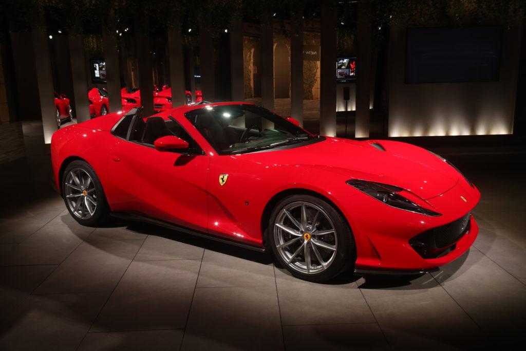 Red Ferrari 812 GTS