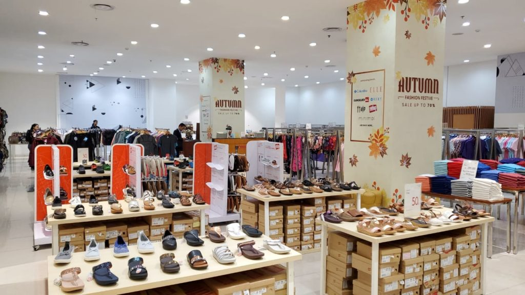 Shop Night Out Berikan Diskon 80% di Lotte Shopping Avenue