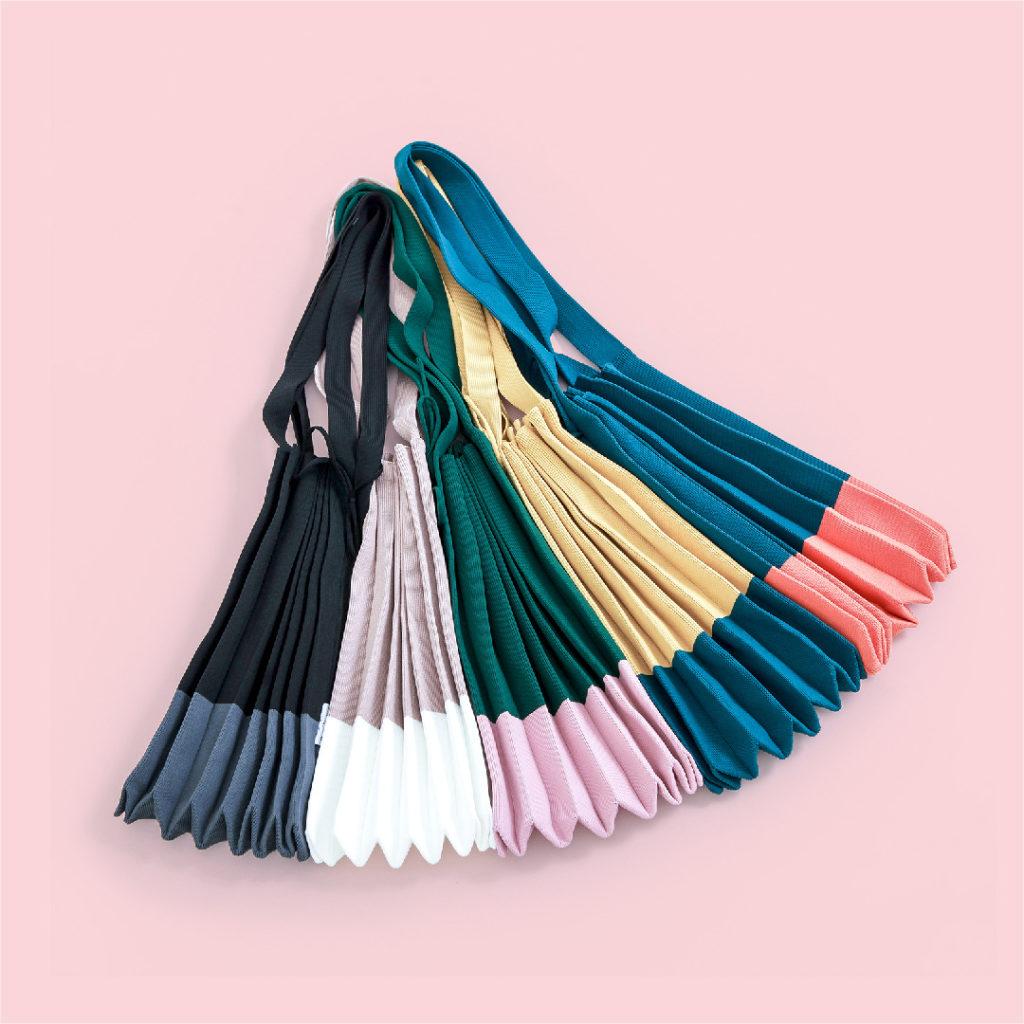 Tas Folded Hana mudah dilipat sehingga mudah dibawa kemana saja untuk menunjang aktivitas sehari-hari.