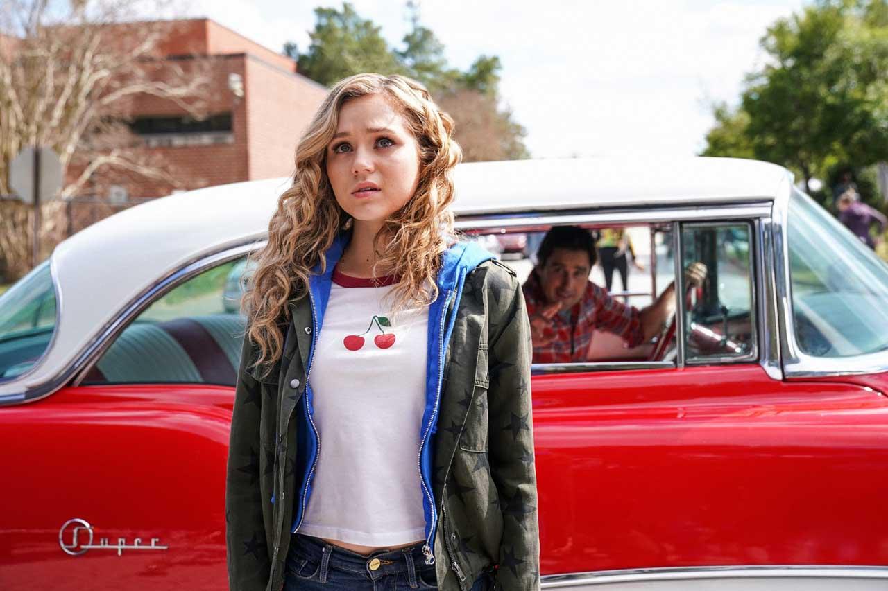 Serial DC Stargirl Masuk Season Kedua